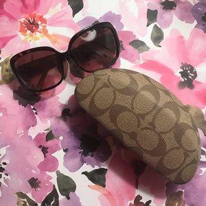 🌿 coach sunglasses